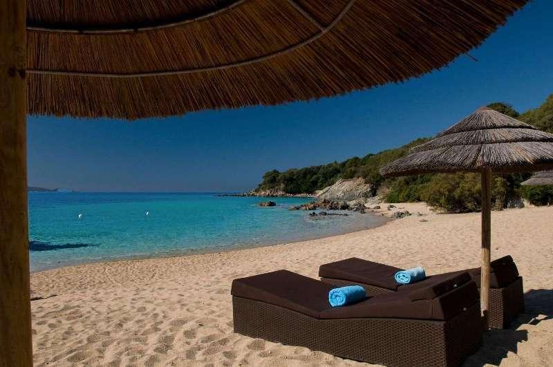 Sejur Corsica septembrie 2017, bilet de avion si hotel inclus