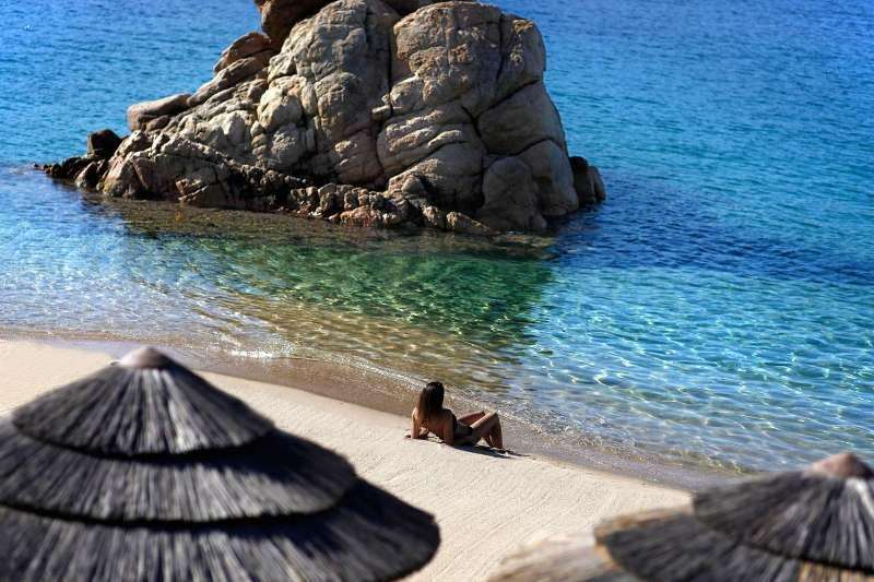 Sejur Corsica septembrie bilet de avion si hotel inclus