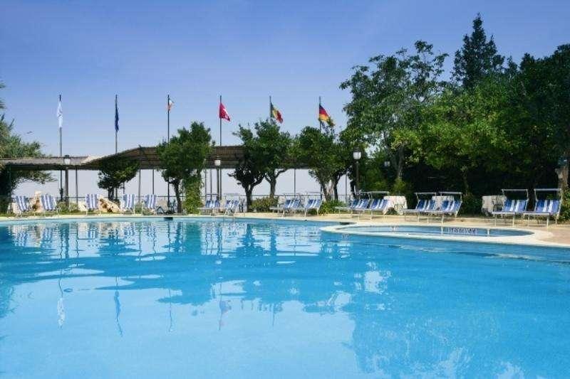 Sejur Costa Amalfi aprilie 2018 bilet avion, hotel si taxe incluse