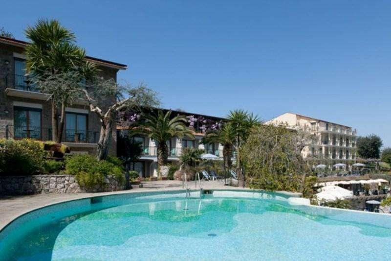 Sejur Costa Amalfi octombrie 2018 bilet de avion si hotel inclus