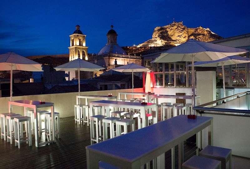 Sejur Costa Blanca Spania 1 martie, bilet de avion si hotel inclus