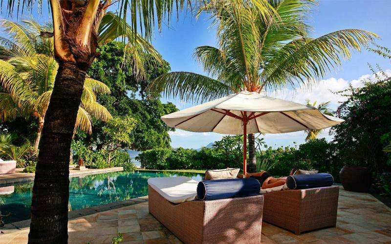 Sejur exotic Mauritius octombrie 2018 aprilie 2018 Hotel Outrigger Mauritius Beach Resort 5*