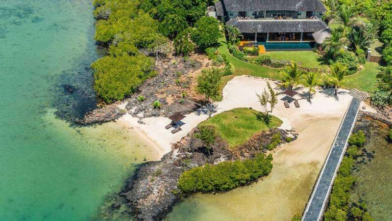 Sejur exotic Mauritius octombrie 2017 aprilie 2018 Hotel Outrigger Mauritius Beach Resort 5*
