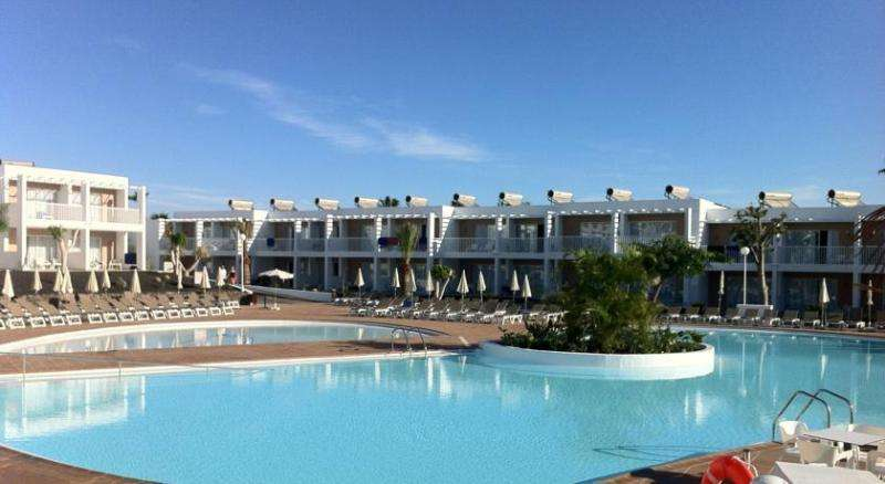 Sejur Fuerteventura vacanta 1 mai 2018 bilet de avion si hotel inclus