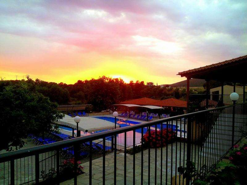 Sejur Halkidiki Grecia individual Hotel Village Mare 4*
