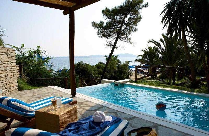 Sejur Halkidiki septembrie bilet de avion si hotel inclus