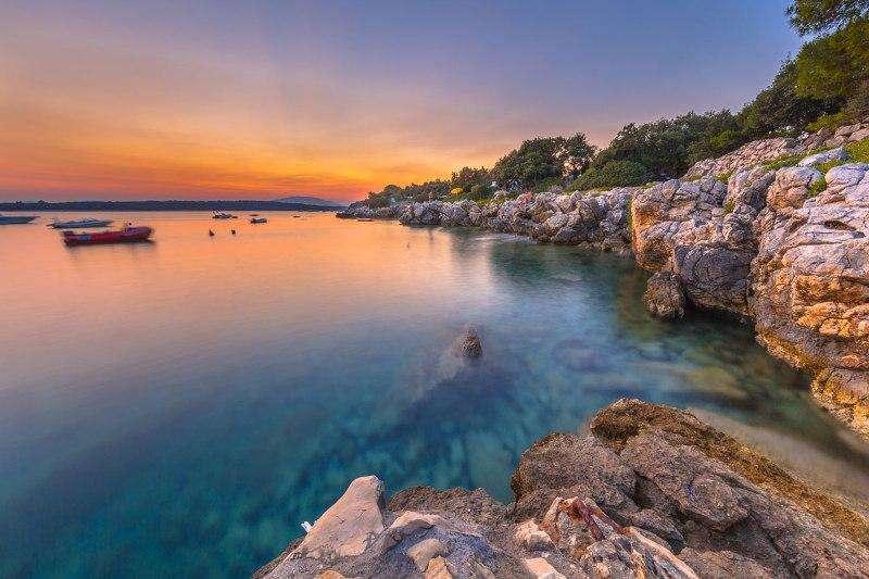 Sejur Insula Brac august 2018 bilet de avion si hotel inclus