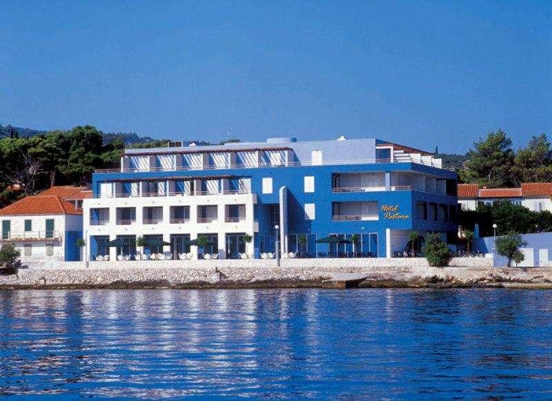 Sejur Insula Brac iulie 2018 bilet de avion si hotel inclus