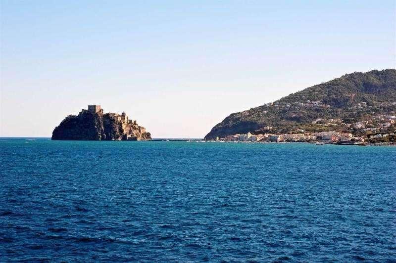 Sejur Insula Capri aprilie 2018 bilet avion hotel si taxe incluse