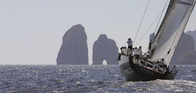 Sejur Insula Capri aprilie bilet avion hotel si taxe incluse