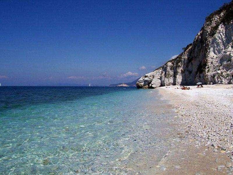 Sejur Insula Elba septembrie 2017, bilet de avion si hotel inclus