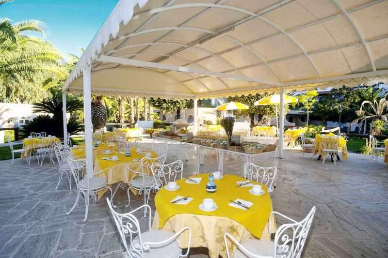 Sejur Insula Ischia august 2017, bilet de avion si hotel inclus