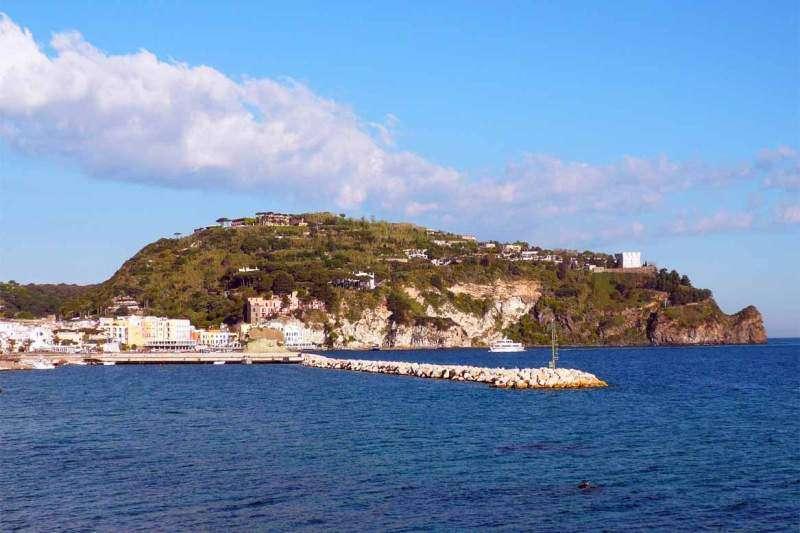 Sejur Insula Ischia octombrie 2018 bilet de avion si hotel inclus