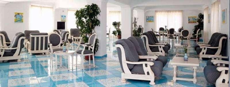 Sejur Insula Ischia week-end Sf Maria august 2017 bilet de avion si hotel inclus