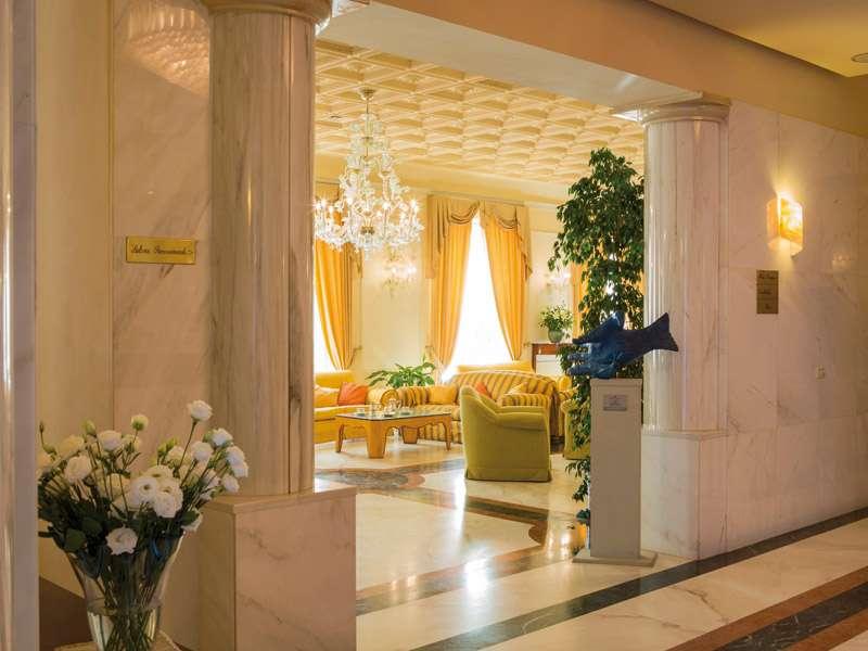 Sejur Italia Cinque Terre 1 mai bilet de avion si hotel inclus
