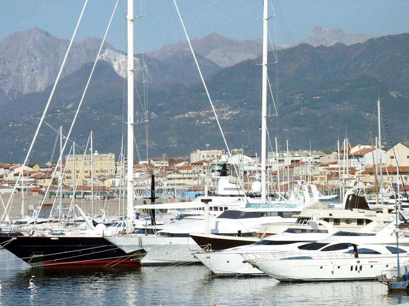 Sejur Italia Cinque Terre octombrie bilet de avion si hotel inclus