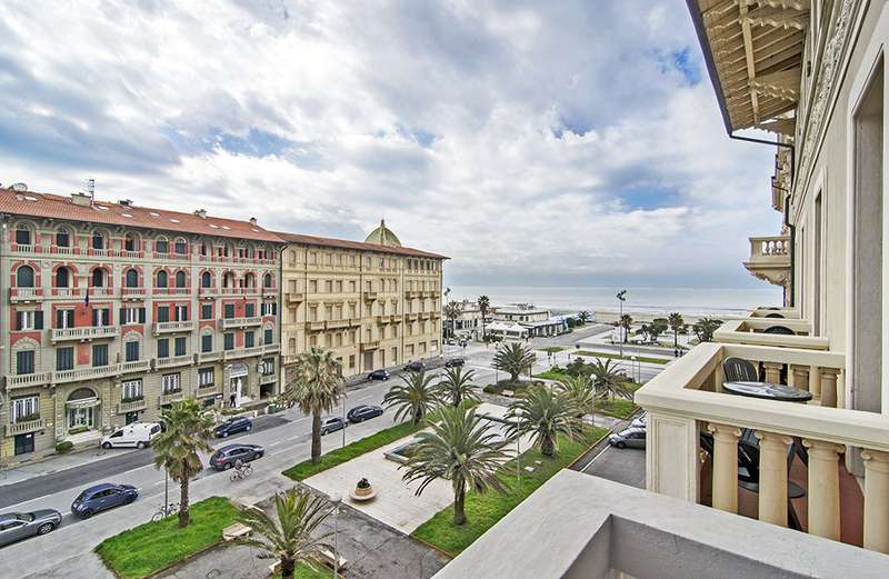 Sejur Italia Cinque Terre septembrie bilet de avion si hotel inclus