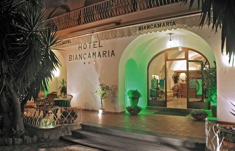 Sejur Insula Capri iulie bilet de avion si hotel inclus