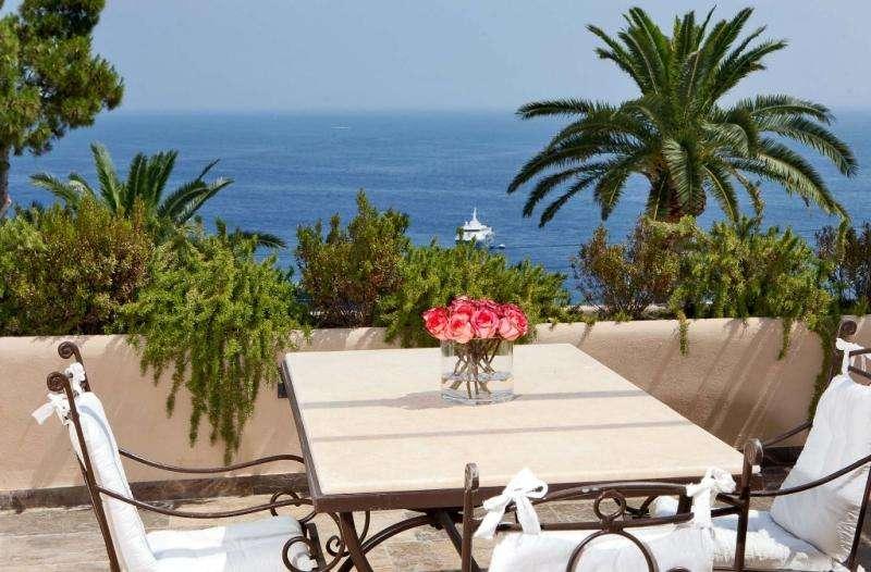 Sejur Italia Insula Capri iunie 2018bilet de avion si hotel inclus