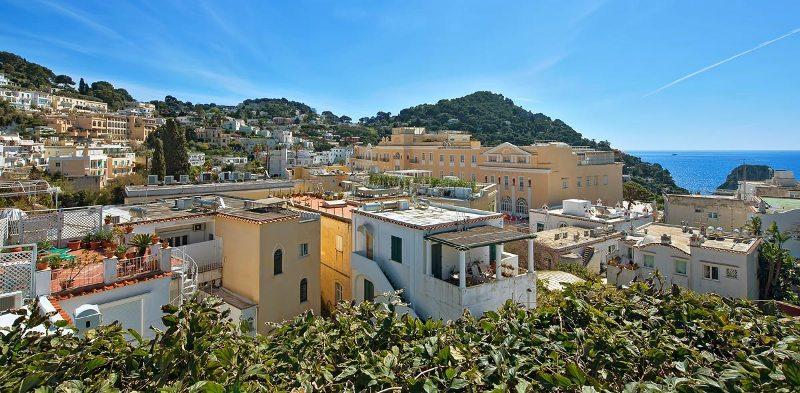 Sejur Insula Capri iunie 2018 bilet de avion si hotel inclus