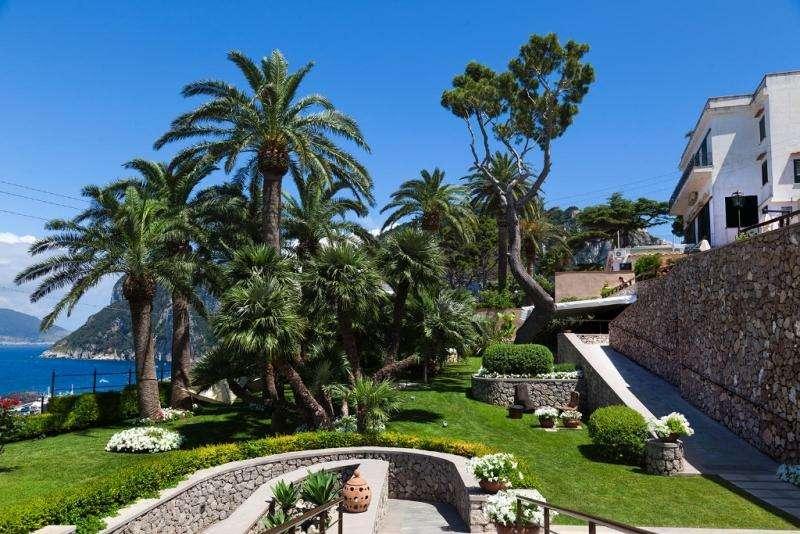 Sejur Italia Insula Capri octombrie bilet de avion si hotel inclus