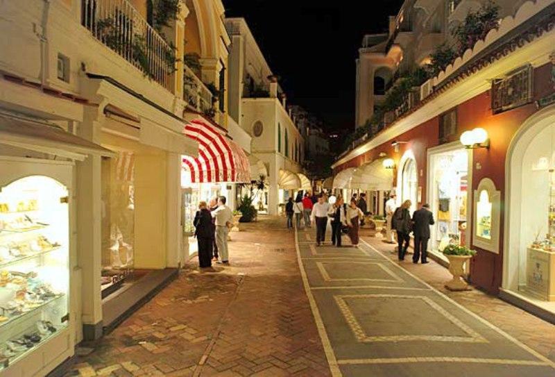 Sejur Italia Insula Capri septembrie 2018 bilet de avion si hotel inclus