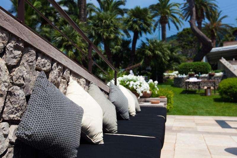Sejur ItaliaInsula Capri iunie bilet de avion si hotel inclus