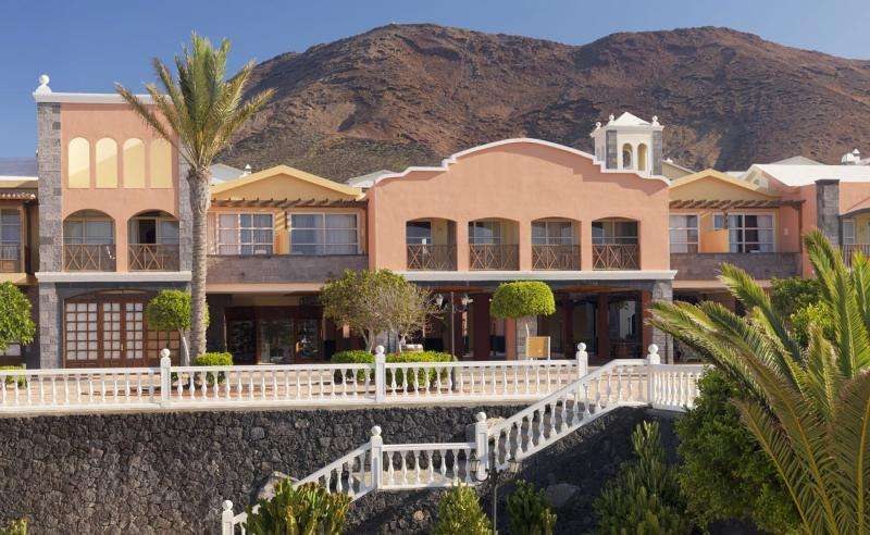 Sejur Lanzarote septembrie bilet de avion si hotel inclus