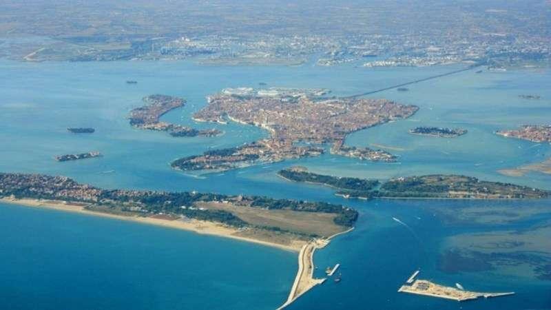 Sejur Lido di Venezia luna iunie bilet de avion si hotel inclus