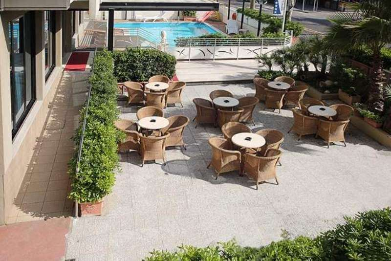 Sejur Litoral Rimini aprilie bilet de avion si hotel inclus