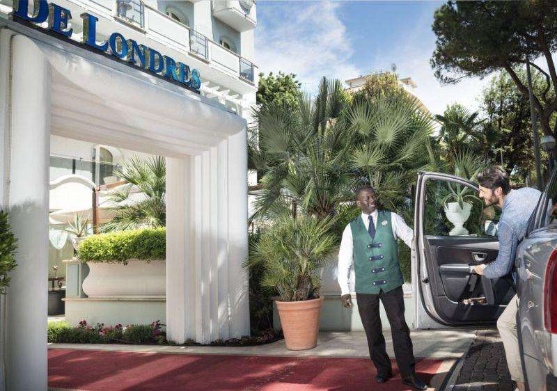 Sejur Litoral Rimini octombrie 2017 bilet de avion si hotel inclus