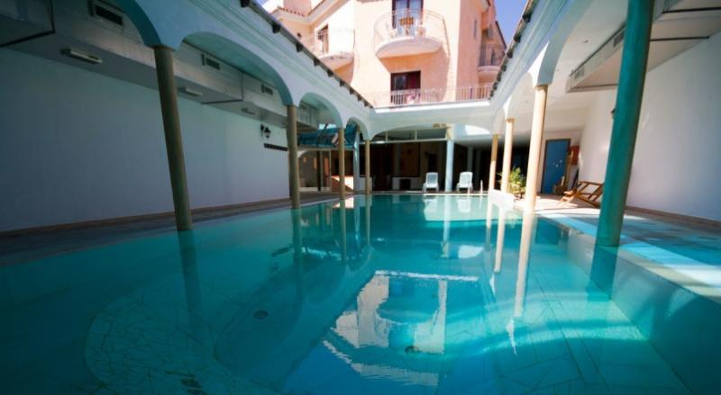 Sejur Litoral Sardinia  luna mai bilet de avion si hotel inclus