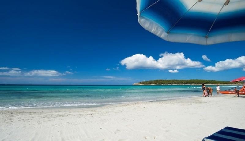 Sejur Litoral Sardinia septembrie bilet de avion si hotel inclus