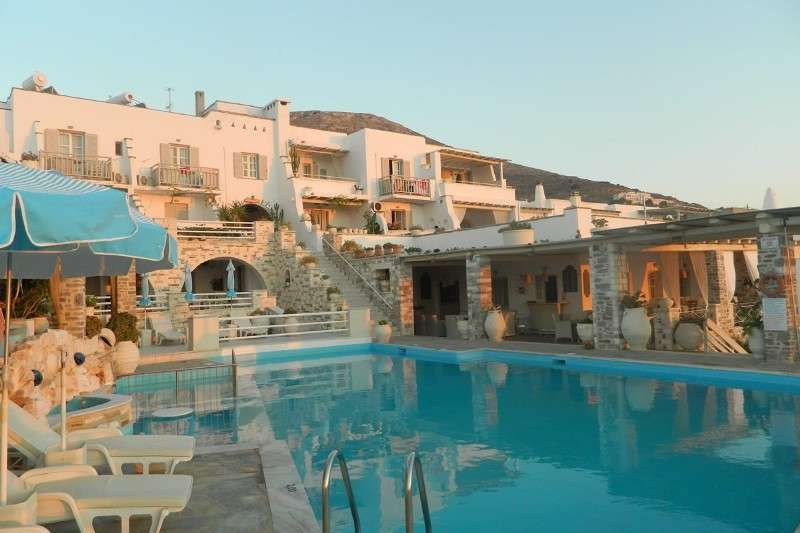 Sejur Paros luna iunie bilet de avion si hotel inclus