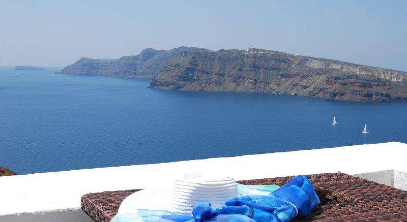 Sejur Santorini august 2018, bilet de avion si hotel inclus