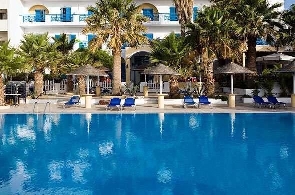 Sejur avion Santorini Grecia 2017 oferta Hotel Neptune Luxury Suites 4*