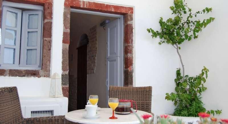 Sejur avion Santorini Grecia 2018 oferta Hotel ARESSANA 4*