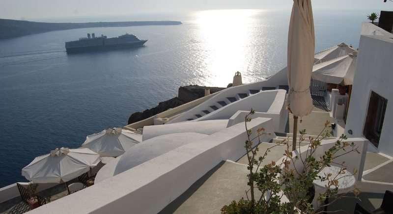 Sejur avion Santorini Grecia 2017 oferta Hotel Andromeda Villas 4*
