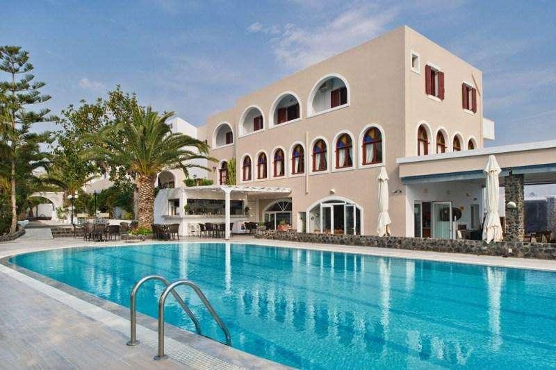 Sejur Santorini luna mai bilet de avion si hotel inclus