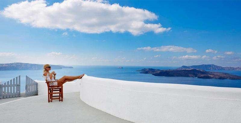 Sejur Santorini septembrie bilet de avion si hotel inclus