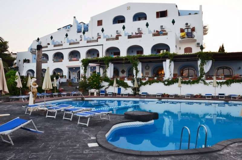 Sejur Sicilia iulie bilet de avion si hotel inclus