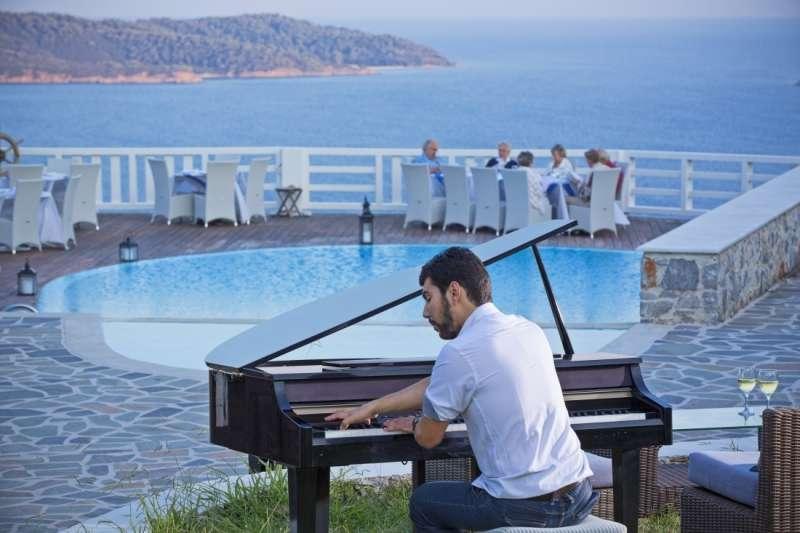 Sejur Skiathos Grecia avion Hotel Mandraki 4*