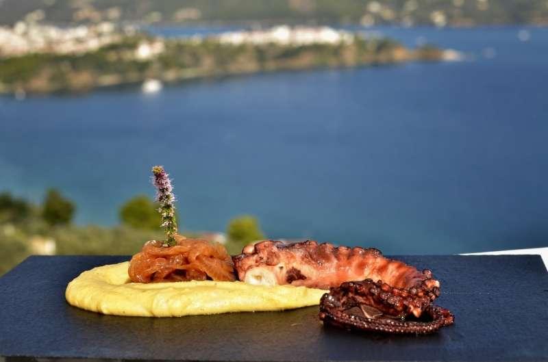 Sejur Skiathos Grecia avion Hotel Adrina Beach 4*