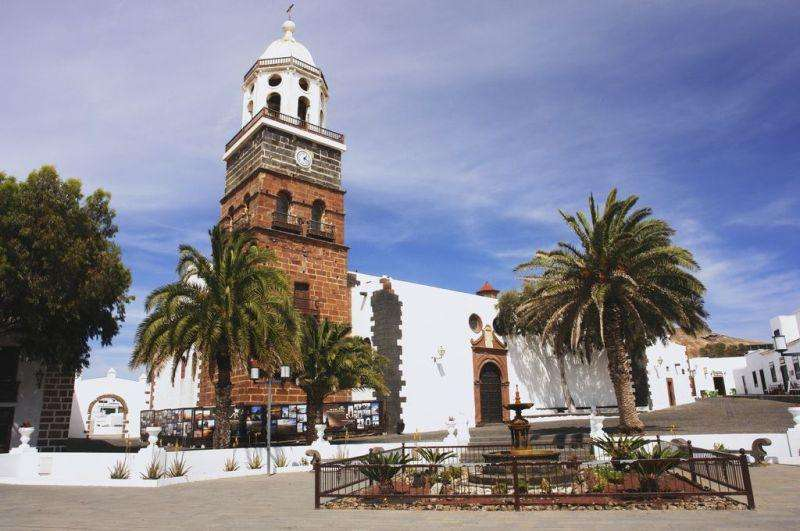 Sejur Tenerife Lanzarotte iulie 2018 bilet de avion si hotel inclus
