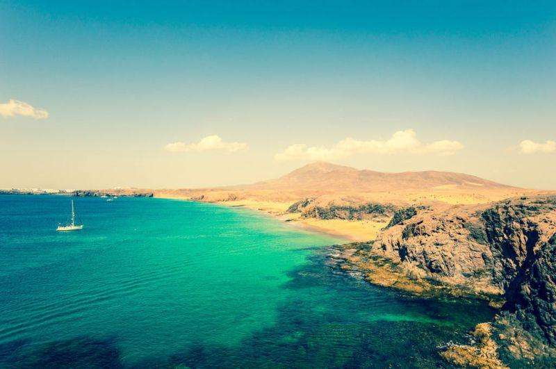 Sejur Tenerife Lanzarotte luna iunie bilet de avion si hotel inclus