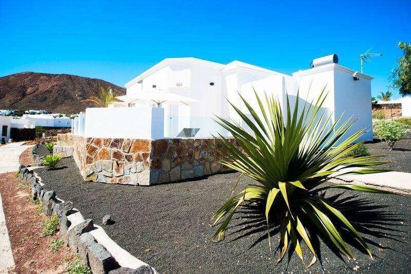 Sejur Tenerife Lanzarote octombrie 2017 bilet de avion si hotel inclus
