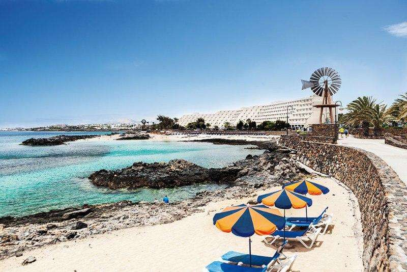 Sejur Tenerife Lanzarote octombrie bilet de avion si hotel inclus