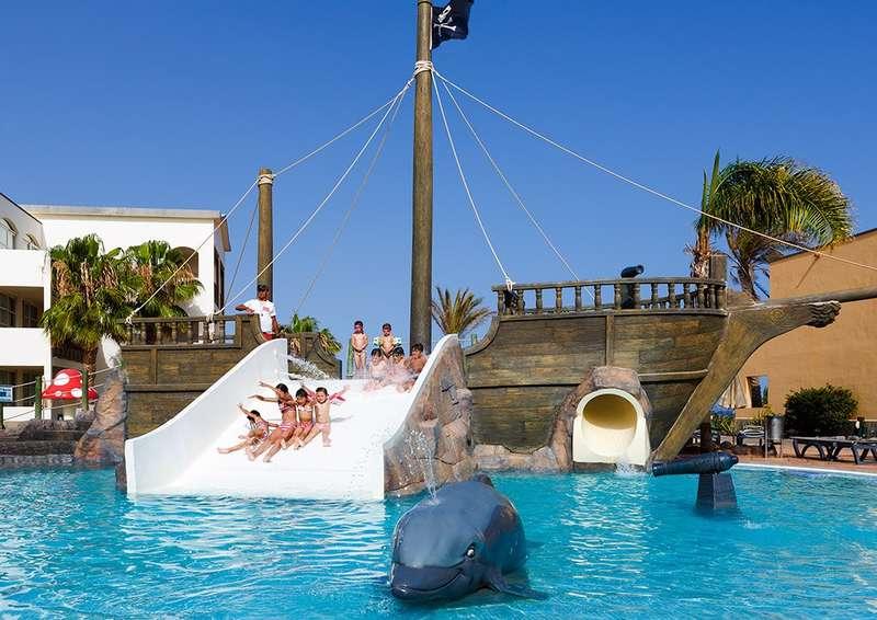 Sejur Tenerife si Lanzarote decembrie 2018, bilet de avion si hotel inclus
