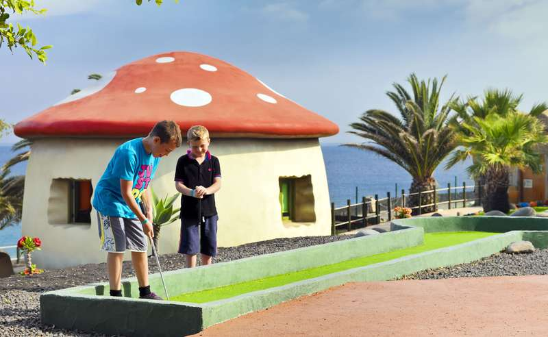 Sejur Tenerife si Lanzarote februarie bilet de avion si hotel inclus