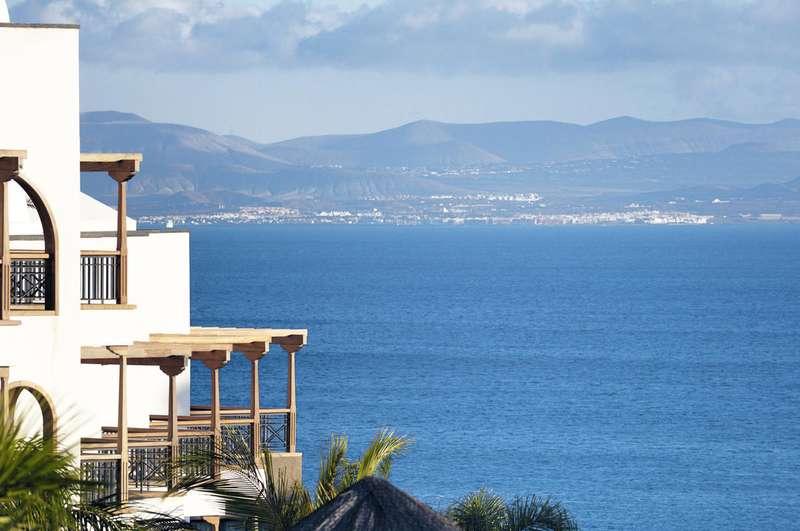 Sejur Tenerife si Lanzarote ianuarie 2018 bilet de avion si hotel inclus